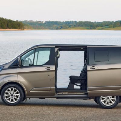 Ford Tourneo Custom 2018 1024 05